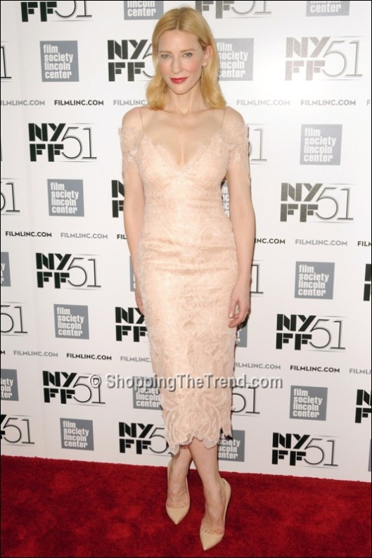 cate-blanchett-armani-prive-lace-dress-nyff-gala-tribute-2013_800
